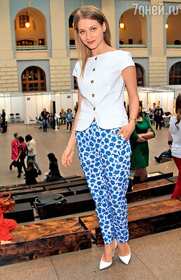 Кристина Асмус на Неделе моды в Москве. 2013 г.