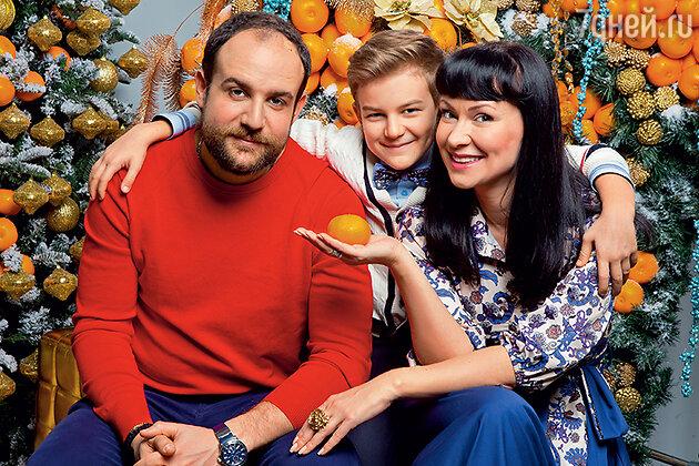 Нонна Гришаева с мужем Александром Нестеровым и сыном