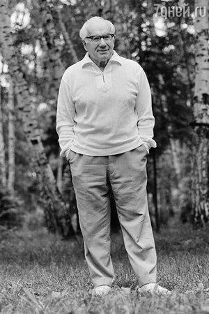 Игорь Ильинский на подмосковной даче, 1971 год