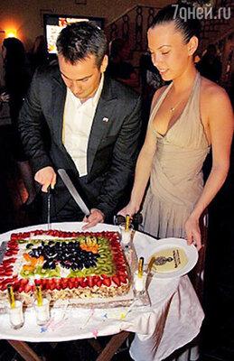 Дмитрий Носов с супругой Дарьей
