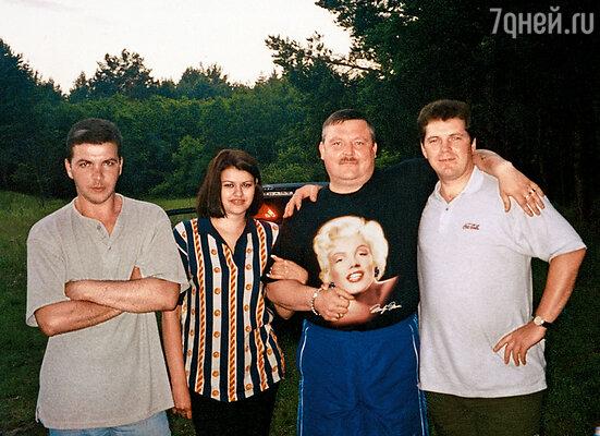 С Мишей и его друзьями на шашлыках