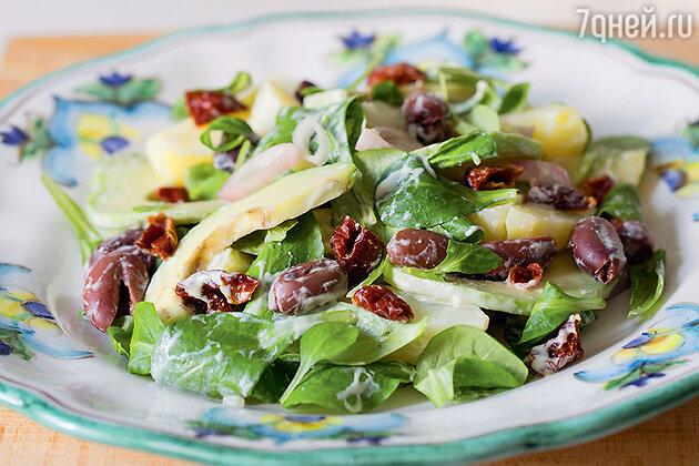 Салат с авокадо и картофелем