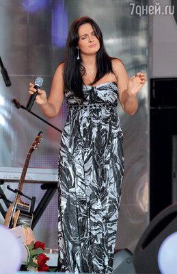 Во время сольного концерта в Витебске. 2011 г.