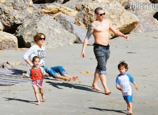«Если меня что и смущает, так это то, что Марк ревнует Каспера к детям — нехочет, чтобы они подружились»