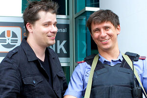 Гарик Харламов и Тимур Батрутдинов разбили тарелку на счастье