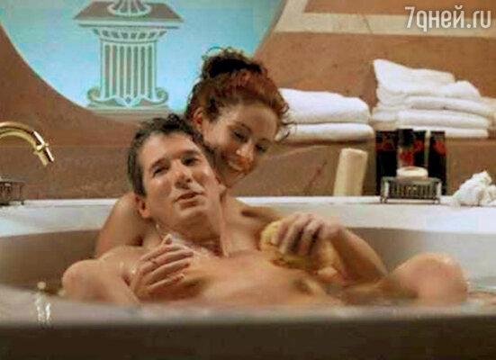 Любовно-лирическая сцена в джакузи далась актерам нелегко — У Гира страшно сохла кожа, а у Джулии на нервной почве началась... крапивница