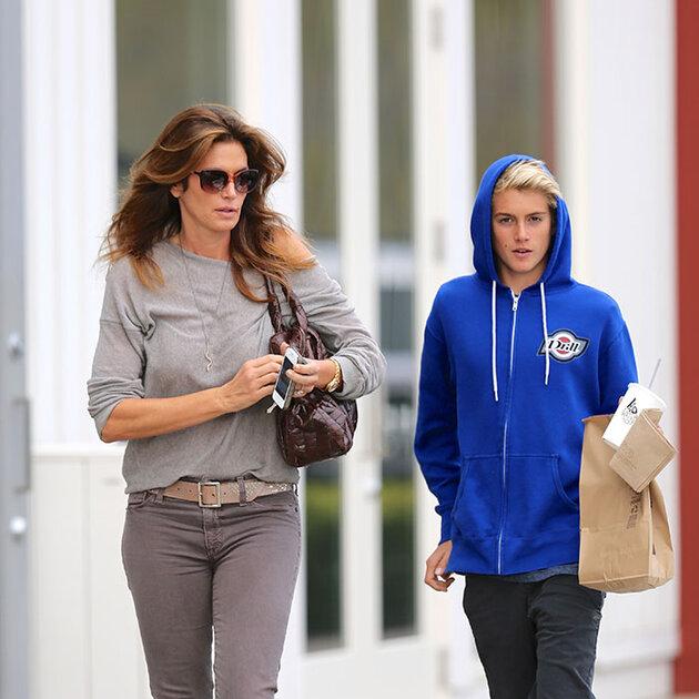 Синди Кроуфорд  с сыном Пресли