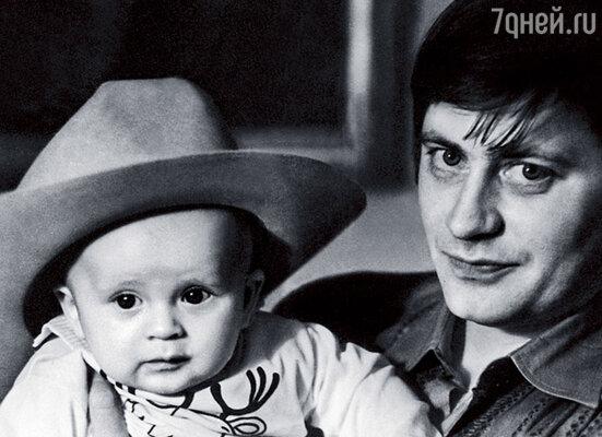 Наш Ванька родился, когда я был состоявшимся и довольно известным актером