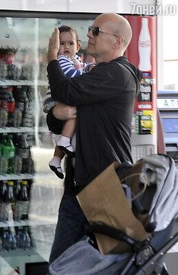 Брюс Уиллис с дочерью Мэйбл Рей