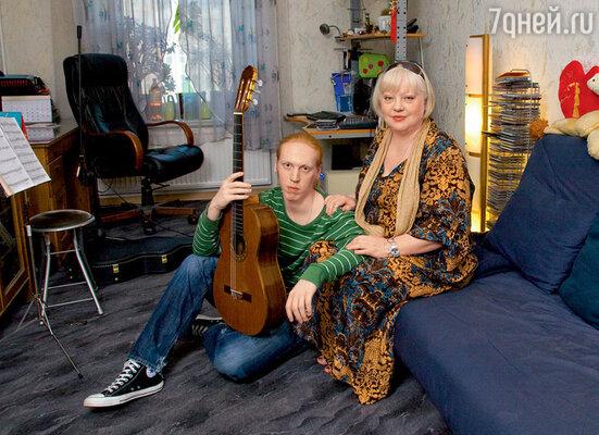 Светлана Крючкова с сыном Александром