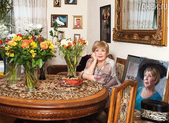 Последние годы тетя Оля жила во Внукове. Именно дача стала ее последней любовью...