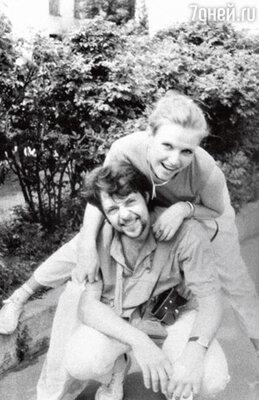 С первым мужем, актером Юрием Стыцковским. 1992 г.