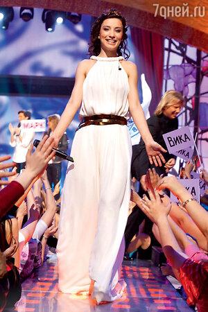 Виктория Дайнеко на съемках программы «Фабрика звезд. Возвращение». 2011 г.