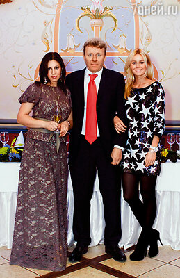 Екатерина Кузнецова с мамой Аллой и папой Олегом. Родители уже двадцать семь лет вместе