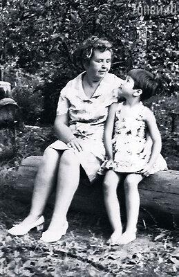 С бабушкой Антониной Федоровной