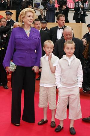 Катрин Денев: «Мои внуки - большая часть моей жизни – у меня их теперь пять»