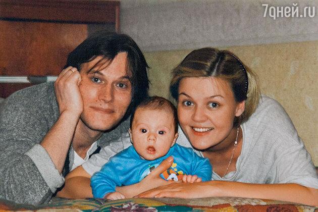 Юлия Меньшова и Игорь Гордин с сыном