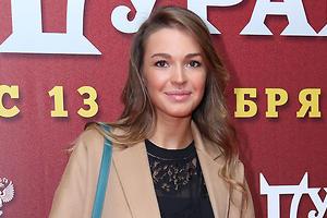 Агния Дитковските и другие звезды пришли на премьеру фильма «День дурака»