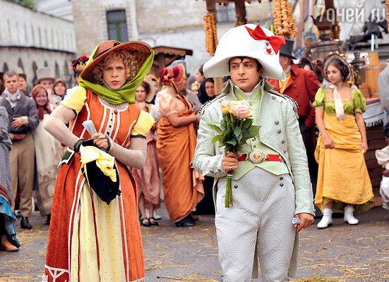 У Павла Деревянко в комедии «Ржевский против Наполеона» было 20 платьев, 17 пар туфель и сотни чулок