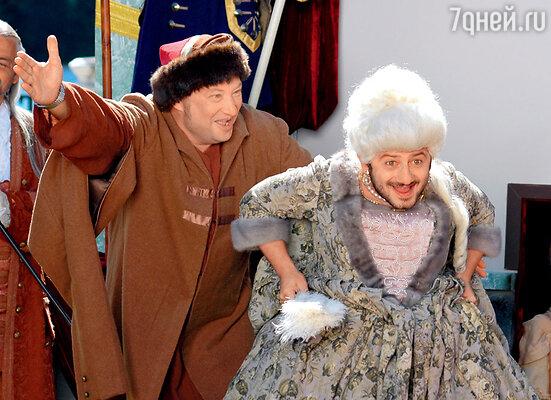 «Самый лучший фильм 2». Императрица в исполнении Михаила Галустяна получилась бородатой