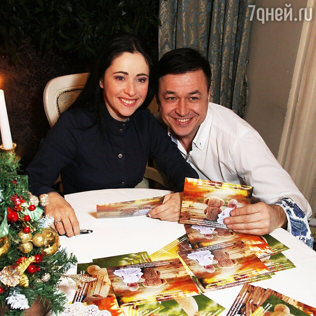 Любовь Тихомирова, Ласло Долински