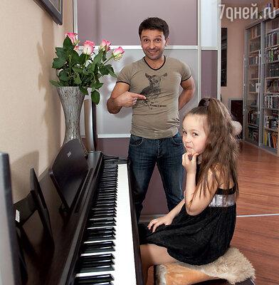 Леонид Барац и его младшая дочь Ева