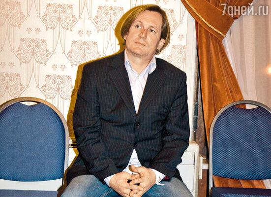 Нос Сергея Челобанова украшает шрам