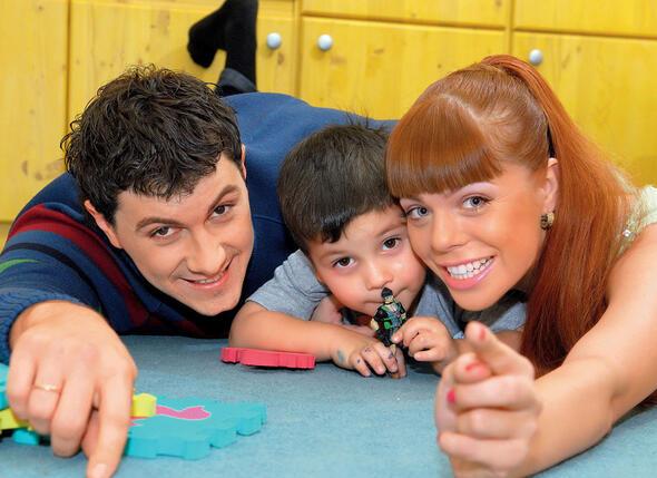 Алексей Секирин и Анастасия Стоцкая с племянником, сыном Павла Майко от первого брака Дигиилом