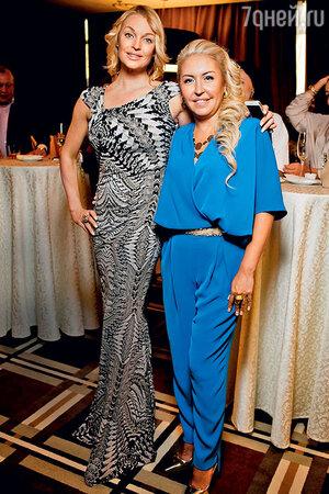 Анастасия Волочкова с подругой