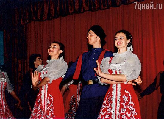 В ансамбле народного танца во время учебы в Хмельницком педагогическом училище