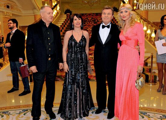 Именно Лев Лещенко познакомил Евгения Болдина с его будущей женой Мариной Лях