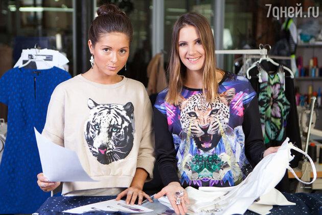 Нюша и Кира Пластинина во время работы над костюмами