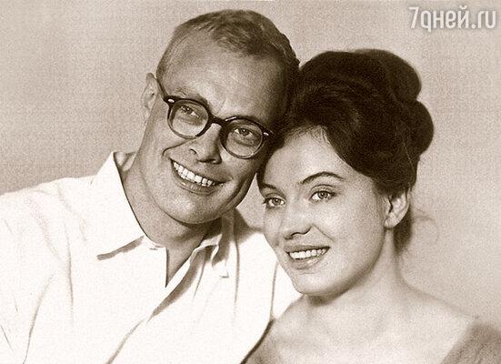 Папу и маму свела вместе большая любовь, но они были слишком разными людьми и развелись, когда чувства прошли
