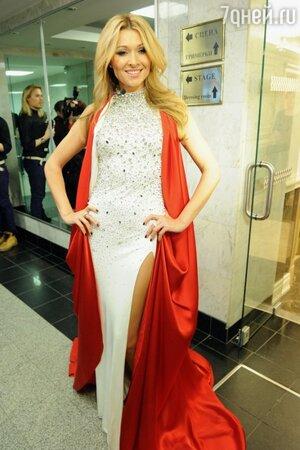 Анжелика Агурбаш на шоу Валентина Юдашкина в 2013 году