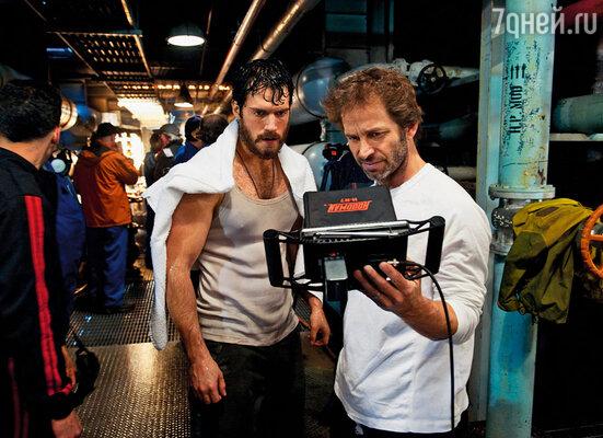 Зак Снайдер точно знал: Суперменом в фильме «Человек из стали» будет только Генри Кавилл. (Зак и Генри на съемках «Человека из стали», 2013 г.)