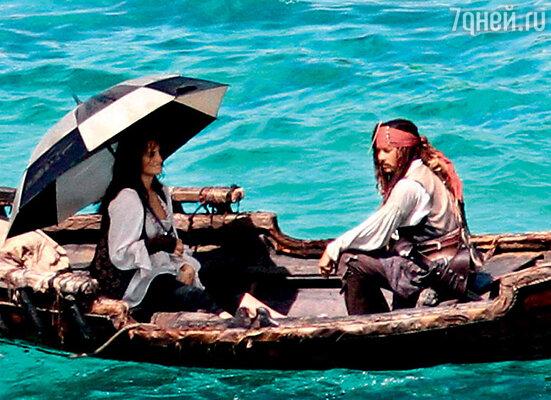 С Пенелопой Крус на съемках «Пиратов Карибского моря»