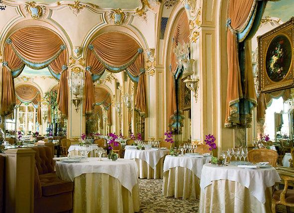 Цезарь Ритц решил построить отель своей мечты, а в нем открыть ресторан, которому не будет равных. На фото: зал ресторана «Л'Эспадон» в «Ритце»