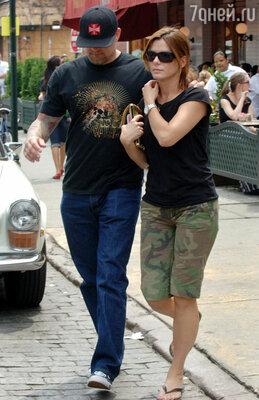Даже за продуктами Джесси и Сандра ходят вместе. Лос-Анджелес, 2006г.