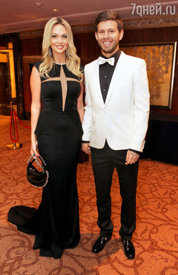 Виктория Лопырева с бывшим женихом Федором Смоловым на вручении премии «Fashion People Awards»