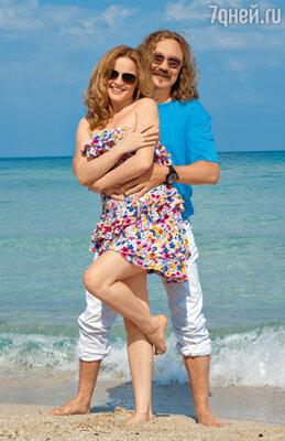 Игорь Николаев и Юля Проскурякова на пляже возле своего дома в Майами