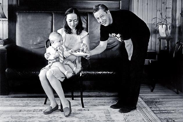 Михаил Ефремов и Софья Кругликова с сыном