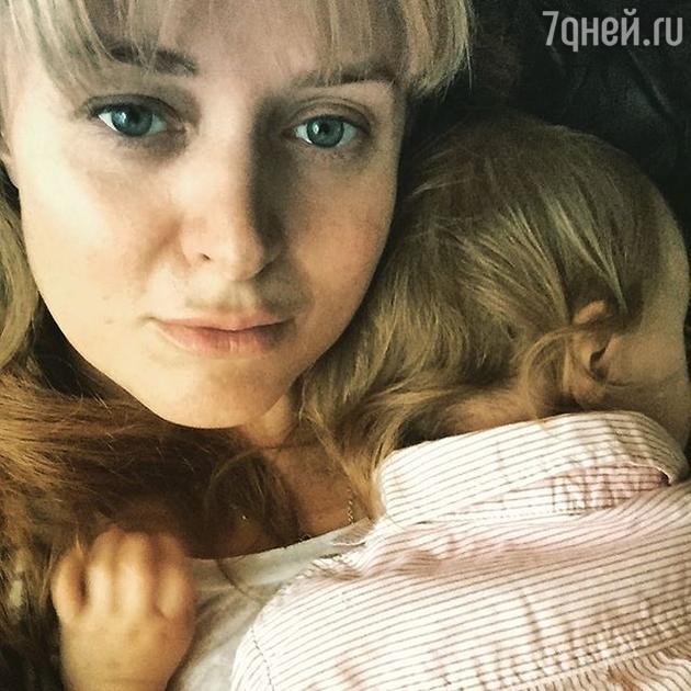 Анна Михалкова с дочкой Лидией