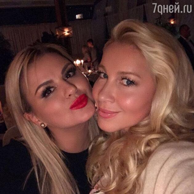 Анна Семенович и Екатерина Одинцова