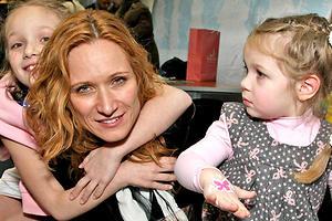 Мария Киселева устроила пятилетнюю дочь на работу