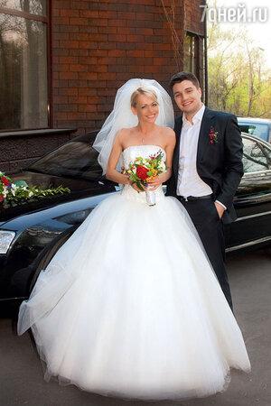 Анна Хилькевич с Антоном Покрепой в день свадьбы. 2011 г.