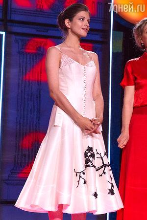 Анна Чиповская в платье от Maison Bohemique