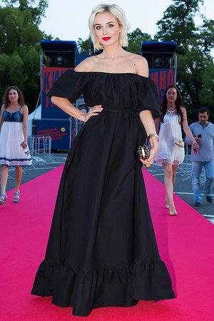 Полина Гагарина в платье от Laroom