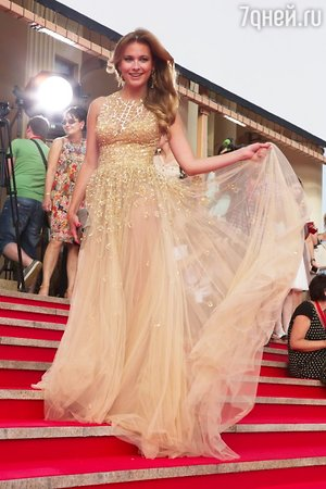 Анна Горшкова в платье от Zuhair Murad