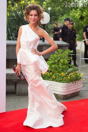 Елена Подкаминская в платье от Lublu Kira Plastinina