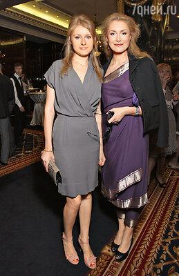 С дочерью Анной на церемонии вручения премии «Top Beauty». 2011 г.